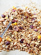 Crunchy muesli with dried fruit