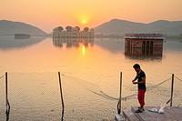 People arriving at Man Sagar lake by sunrise.