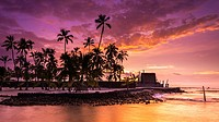 Sunset over Pu´uhonua O Honaunau National Historic Park (City of Refuge), Kona Coast, Hawaii USA.