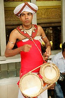 Sri Lanka; Colombo, Gangaramaya Buddhist Temple, musician, drummer,