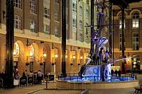 UK, England, London, Hay's Galleria, shops, restaurants,