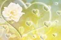 Dekoratives Bild mit Rosenblüten und Herzen.