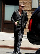 Robin Thicke grabs a juice in Manhattan and returns to his vehicle Featuring: Robin Thicke Where: Manhattan, New York, United States When: 03 Jun 2014...