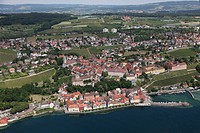 Meersburg in the state of Baden-Wurrtemberg with the lake promenade, the harbor, the New Palace and the State Winery. - Meersburg, Land Baden-Württemb...