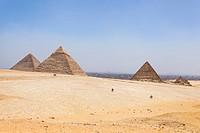Great Pyramid of Giza, Pyramid of Khufu and Cheops, Pyramid of Khafre, Chephren and Pyramid of Menkaure.