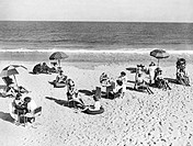 United States: c. 1935.A beauty parlor sets up shop on the beach.