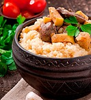 Wheat porridge with liver and apple
