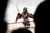 Dancer at Gu-stor masks festival in Korzok monastery. Nomad summer festival in Tso Moriri lake, Ladakh (India).