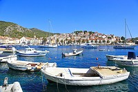 Harbour and waterfront, Hvar Town, Croatia, Dalmatia, Dalmatian Coast, Europe.