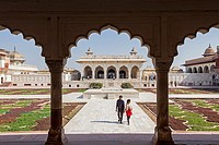 Visitors, Anguri Bagh (Grape Garden), in Agra Fort, UNESCO World Heritage site, Agra, India.