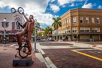 Metal Sculptures by Edgardo Carmona in downtown Fort Myers FLorida.