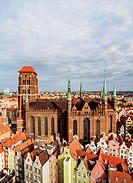 Poland, Pomeranian Voivodeship, Gdansk, Elevated view of the Old Town, St. Mary's Basilica.