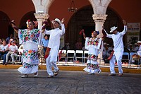 Infantile dancers during a Jarana performance on Merida sunday activities, Merida, Riviera Maya, Yucatan Province, Mexico, Central America.