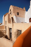 Typicall Cyclades house by the cliff in Oia village, Santorini, Cyclades Islands, Greek Islands, Greece, Europe.