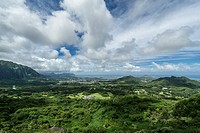 Scenic view from Nu'uanu Pali lookout on Oahu Island, Hawaii.
