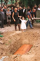 Maria Sozzani, wife of Nobel Prize for Literature Joseph Brodsky, and their daughter Anna at the poet´s funeral. Venice. January, 1996