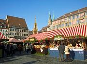 Germany Bavaria (Bayern) Nürnberg (Nuremberg) Christmas Market (Weihnachtsmarkt)