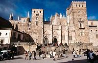 Fachada principal (Sur) del Real Monasterio de Santa María de Guadalupe, Guadalupe, provincia de Cáceres. Extremadura. España.