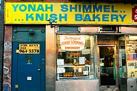 Yonah Schimmel´s Knish Bakery. New York City, USA