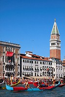 Italy, Venice, historic regatta, boats, people, traditions