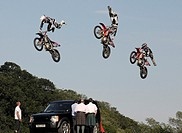 Bolddog Lings Freestyle Motorcyle Display Team  HONDA´S OFFICIAL AND THE UK´S NUMBER 1 FREESTYLE MOTOCROSS DISPLAY TEAM - based on the latest extreme ...