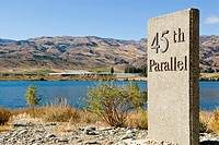 45th parallel marker at Lake Dunstan near Cromwell, Central Otago, New Zealand