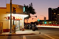 Mission Hills Liquor Store at Sunset