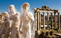 Venus of Milo, Michelangelo´s David souvenirs, on background Temple of Saturn, Forum Romanum, Roman Forum, Rome, Lazio, Italy, Europe