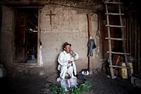 Ecuador, Otavalo, La Calera, shaman José Maria Maigua, traditional shamanistic ritual called ´limpia´ or purification.
