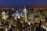 New York City Skyline at night, Midtown Manhattan, New York, USA