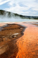Grand Prismatic Spring in Yellowstone´s Midway Geyser Basin, Yellowstone National Park, Wyoming, USA.