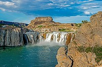 Twin Falls, Shoshone Falls on the Snake River in the Snake River Canyon near the city of Twin Falls in southern Idaho.