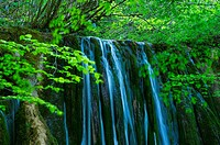 Tobería falls, Andoin, Sierra Entzia Natural Park, Alava, Basque Country, Spain, Europe.