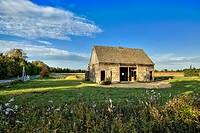 Charming barn at sunrise, West Tisbury, Martha´s Vineyard, Massachusetts, USA.