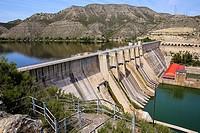 Spain. Aragón. Zaragoza. Mequinenza reservoir. Built in 1966. Stores 1530 cubic hectometers and has up to 60 meters of depth. Known as Mar de Aragón