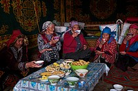 Mongolia, Bayan-Olgii province, landscape in winter, Kazakh family, tea time.