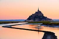 Mont St Michel, Sunset, Mont-Saint-Michel, Benedictine abbey, Pontorson, UNESCO, World Heritage Site, Manche, Normandy, France.