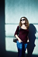 Portrait of a woman with sunglasses.