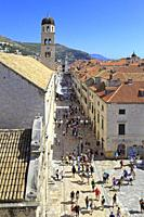 Stradun main street in Dubrovnik Old City from the city walls, Croatia, UNESCO world heritage site, Dalmatia, Dalmatian Coast, Europe.