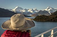 Cordillera Darwin from Ventus cruise ship, Ainsworth Bay, PN Alberto de Agostini, Tierra del Fuego, Patagonia, Chile.