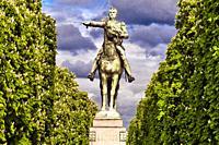 Statue of Simon Bolivar, Port des Champs-Élysées, Paris, France, Europe.