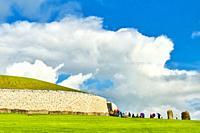 Newgrange, Brú na Bóinne Archaeological Ensemble of the Bend of the Boyne, prehistoric monument, Neolithic period, County Meath, Ireland, Europe.