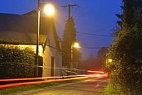 rue d'un petit village de campagne, region Centre-Val-de-Loire, France, Europe/street lighting in a small country village, Centre-Val-de-Loire region,...