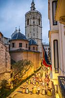 Fallas festival. Falleros and Falleras in traditional dress. Parade to the Plaza de la Virgin in order to make an offering of flowers to Our Lady of t...