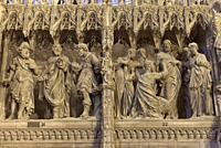 Les Pelerins d'Emmaus et L'incredulite de Thomas, scenes sculptees, par Thomas Boudin en 1610 et 1611, ornant la cloture ou tour du choeur de la Cathe...