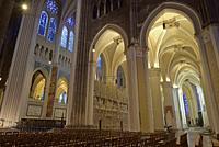 deambulatoire et sculptures ornant la cloture ou tour du choeur de la Cathedrale Notre-Dame de Chartres,Eure et Loir,region Centre,France,Europe/ambul...