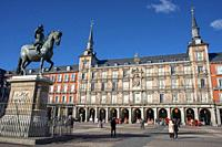 Bronze statue of King Philip III constructed in 1616 by Giovanni de Bologna and Pietro Tacca at the Plaza Mayor in Madrid, Spain.