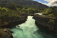 The raging waters of the Futaleufú River, Puente Gelvez, Futaleufú, Patagonia, Chile.
