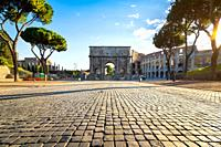 Arch of Constantine at the end of the palatine hill. Rome, Italy.