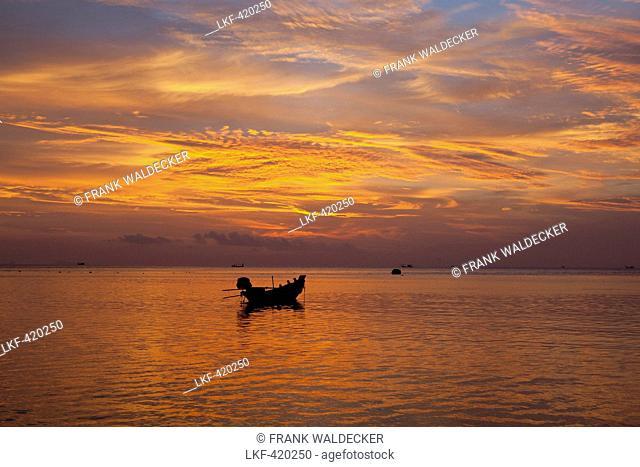 Fishing boat at Haad Yao Beach or Long Beach, Koh Phangan Island, Surat Thani Province, Thailand, Southeast Asia